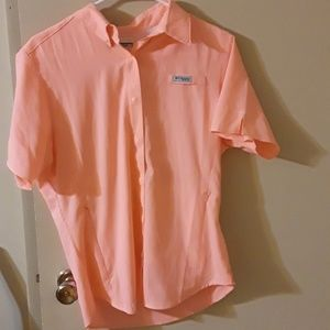 New without tags, womens Columbia button up tee